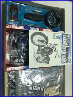 1/6 Harley Davidson FXE 1200 Super glide Length 389 mm official